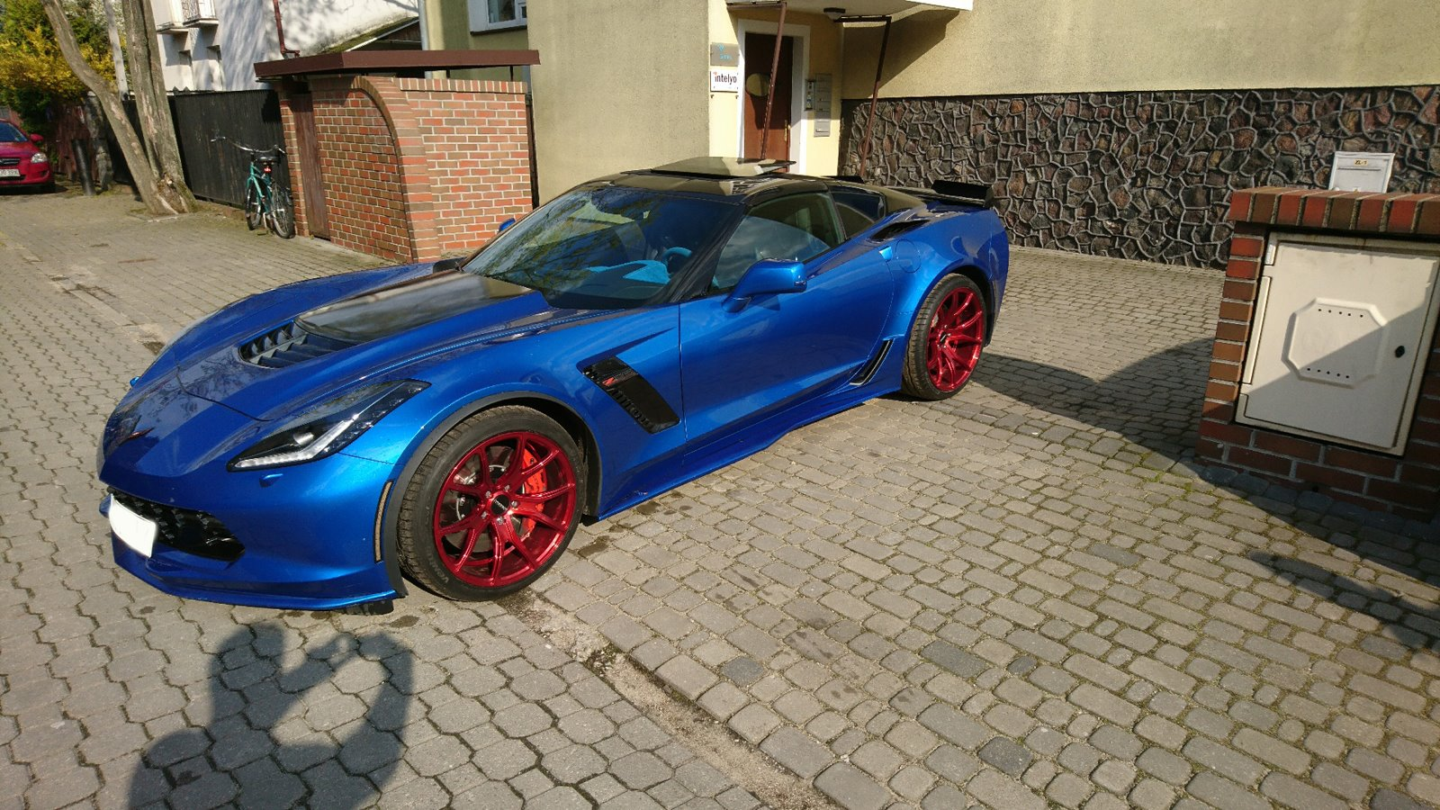 Corvette C7 Z06 Candy Red Rims Varro VD01 Staggered Wheels
