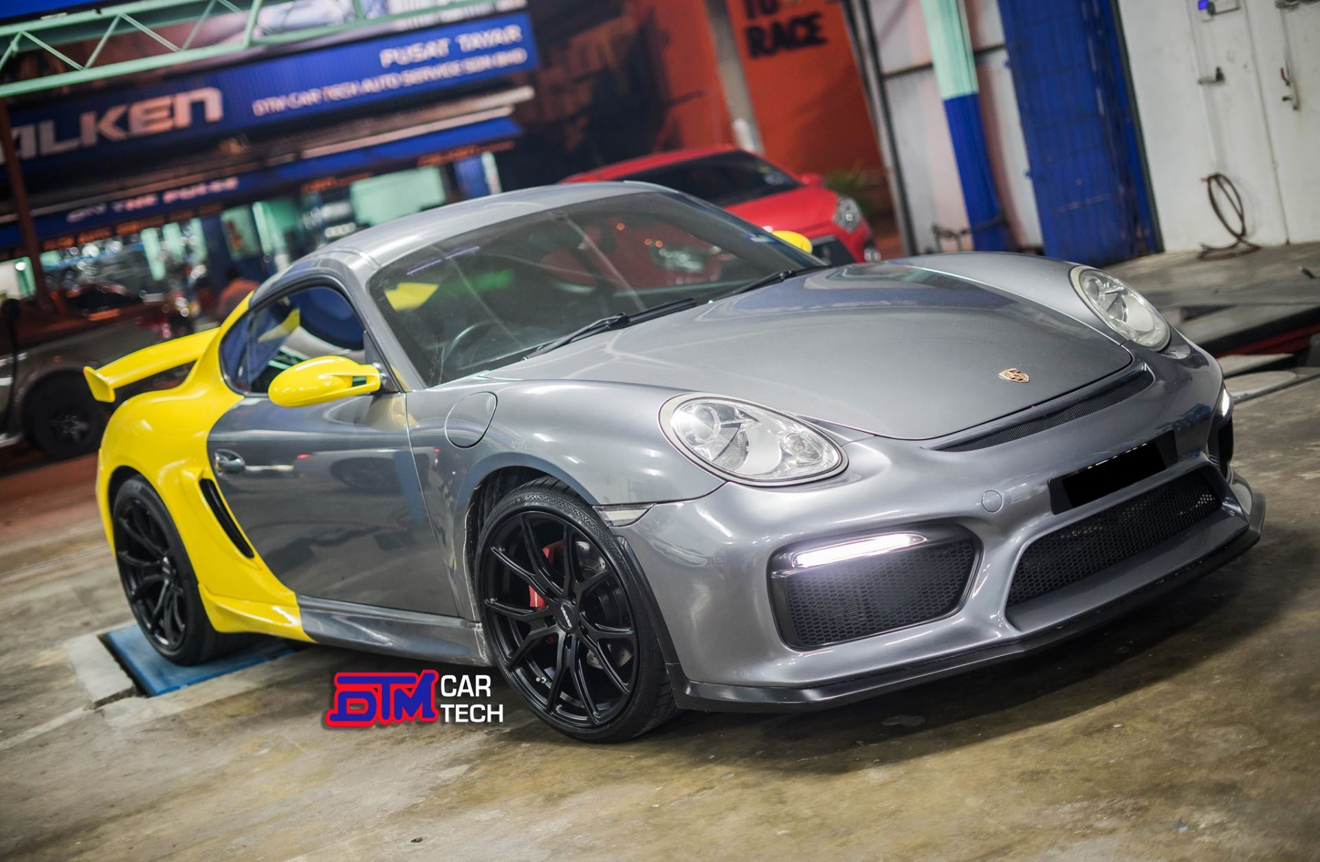 Porsche Cayman Rims Varro VD01 Black Wheels Staggered