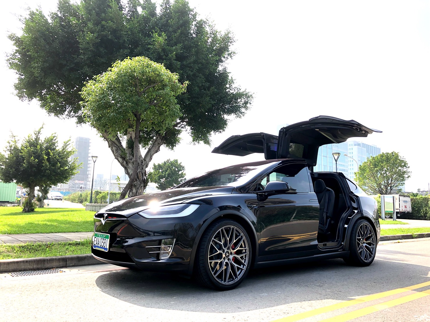 Tesla Model X Rims Varro VD06X Flow Form Staggered Wheels
