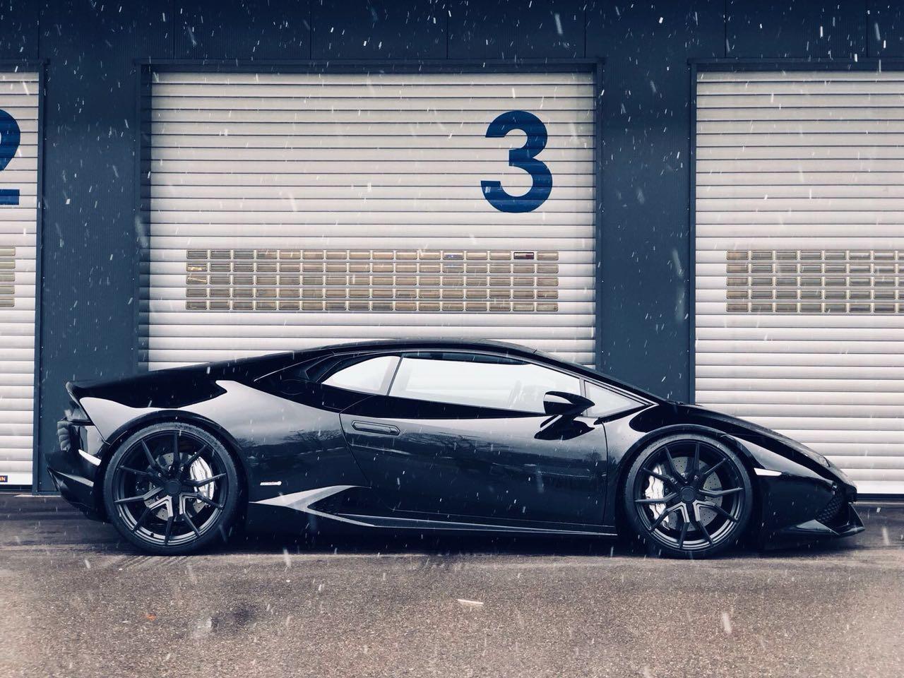 Lamborghini Huracan Black Rims Varro VD19 Concave Wheels